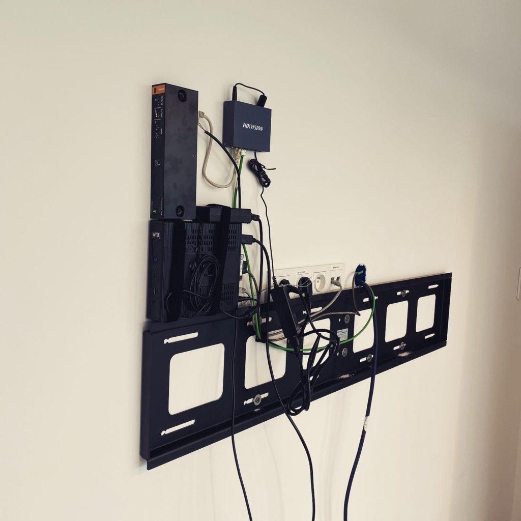systemy wideokonferencyjne musza się na czymś opierać