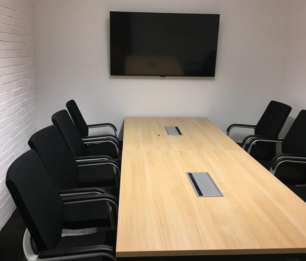 integracje AV w siedzibie Lingaro na przykładzie jednej z sal konferencyjnych